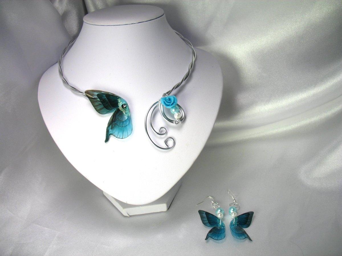 Collier en fil d'Alu papillon bleu