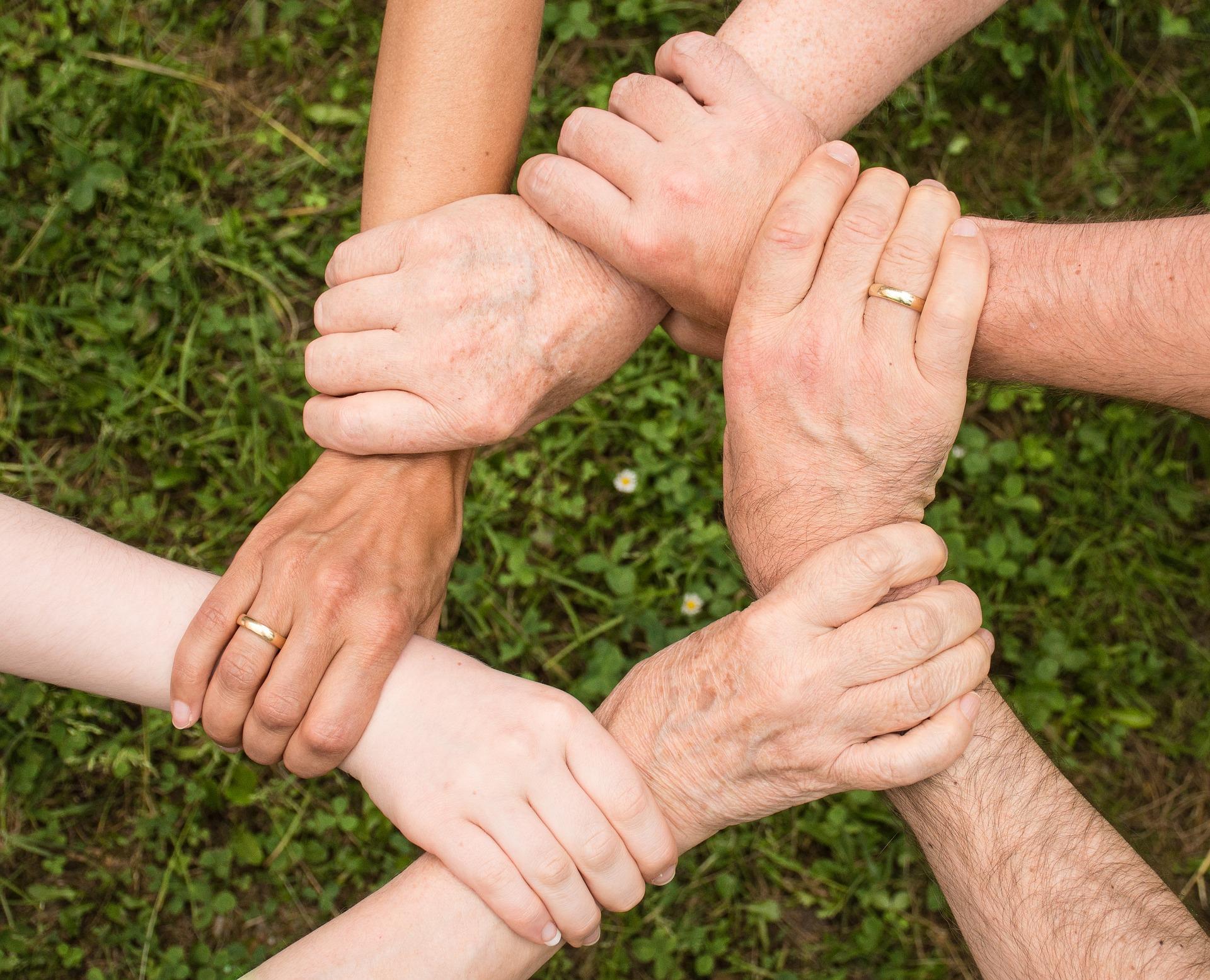 Faire un cercle avec les mains